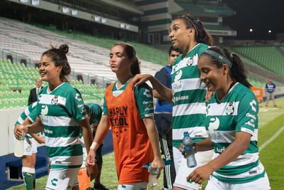 Las Guerreras se despidieron de sus seguidores en el Apertura 2018 sin poder ganar, tras igualar 1-1 anoche ante las Rojinegras del Atlas, en el Estadio Corona.