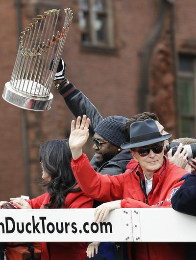 Los campeones festejaron con su título de la Serie Mundial en las calles de Boston.