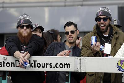 Craig Kimbrel, Joe Kelly, Matt Barnes festejando.