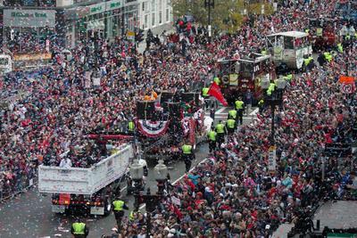Muchos aficionados decidieron salir a las calles para compartir un gran momento con su equipo.