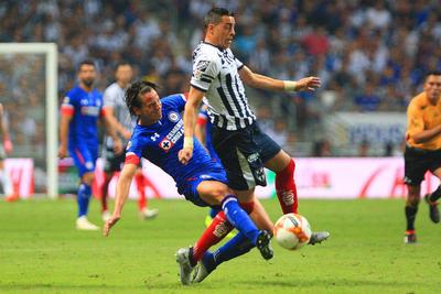 """Con goles de Elías Hernández al minuto 33 y Martín Cauteruccio en el 52', """"La Máquina"""" no perdonó a la escuadra regiomontana en su propia cancha."""