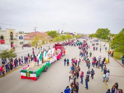 En Piedras Negras también se llevó a cabo el desfile de la Revolción Mexicana.