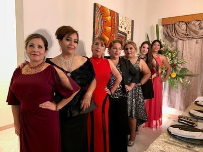 Lauris, Tere, Güera, Nora, Muñe, Karen y Nena.