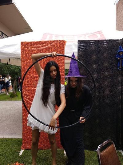 Alumnas de reconocida institución, participaron en divertida actividad.