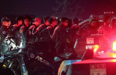 La noche comenzó apenas con una decena de detenidos.