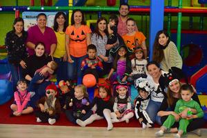 02112018 DIVERTIDA FIESTA DE DISFRACES.  Amiguitos disfrutaron de una espeluznante fiesta de Halloween.