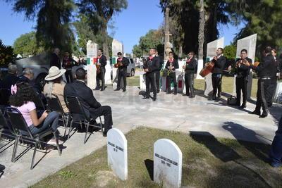 La celebración del Día de muertos se ha llevado con normalidad en Gómez Palacio.