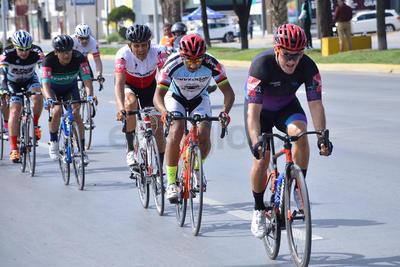 Celebran la Vuelta Ciclista a La Laguna