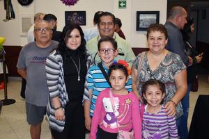 05112018 Santos, Denisse, Gerardo, Gadiel, Jimena, Elizabeth y Camila.