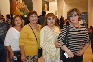 05112018 EN EL TEATRO.  María de Jesús, María Dolores, Carmen y María Antonieta.