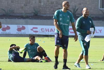 El defensa brasileño, Matheus Doria, aseguró que el nivel del club no va a la baja.