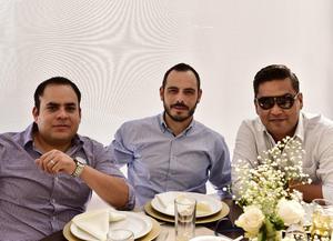 Manuel Sanchez, Jerry Rodriguez y Mario Cavanzon