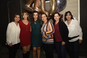 Sofia con Ale, Mapy, Marcela, Anabel y Gaby