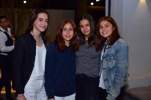 Monse, Daniela, Víctoria y Ana