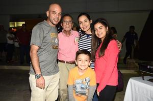 angeles, Victoria, Jesus, Matias y Gerardo