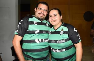 Memo Ramirez y Cristy Arrañaga