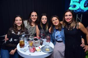 Noelie, Ana, Paty, Claudia y Lorena