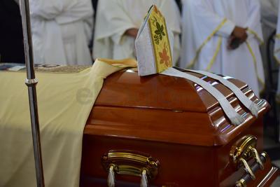 Dieron el último adiós al segundo obispo de la Diócesis de Gómez Palacio.