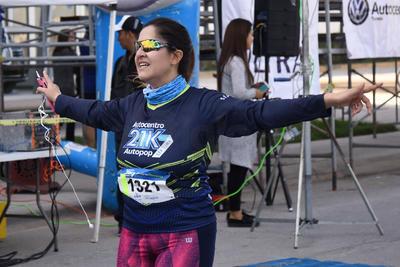 Laguneros corren el Medio Maratón Autocentro-Autopop