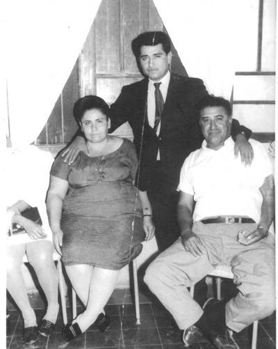 11112018 Alicia Alemán (f), Humberto Maldonado (f) y José Maldonado.