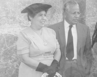 11112018 Aurora Machado de Vázquez y Arturo Vázquez en evento religioso hace varias décadas.