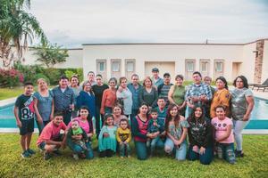 11112018 MUY CONTENTOS.  Familia González del Ejido Florida, municipio de Francisco I. Madero, Coahuila.