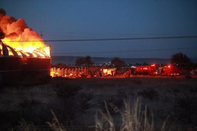 Arde por completo una bodega del IMSS