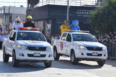 Realizan desfile de la Revolución en Torreón