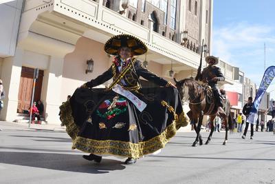 Laguneros celebraron la Revolución Mexicana.