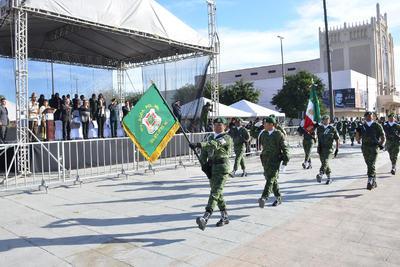 Para el desarrollo de la parada cívica se montó un amplio operativo vial a lo largo de la avenida Matamoros, en las calles colindantes, así como en la Plaza Mayor.