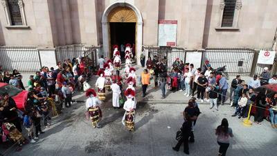 A los ciudadanos que no son creyentes, el párroco les pidió tolerancia y respeto al credo que cada vez es más grande en la Región Lagunera.