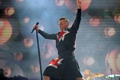 Para muchos, la mejor presentación del sábado en el Corona Capital, fue la de Robbie Williams, al menos eso reflejaron las redes sociales.