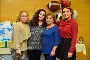 19112018 EN RECIENTE FESTEJO.  Coco, Valeria, Mayela y Lydia.