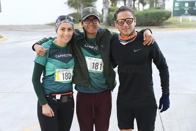 Lilia Galindo, Sebastián Galindo y Carlos Ávila.