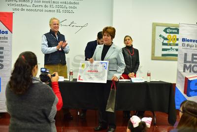 También se reconoció a los docentes que fungieron como asesores de los alumnos durante esta competencia.