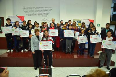 """Finalizó una edición más del Concurso Regional de Comprensión Lectora """"Leemos""""."""