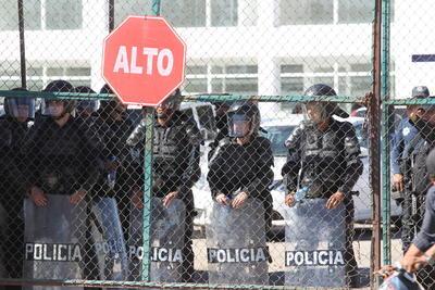 Favián es dirigente de la Federación de Estudiantes Universitarios de Durango (FEUD), y Ricardo es su hermano, ambos son acusados por privación de la libertad personal y lesiones calificadas en contra de un estudiante.