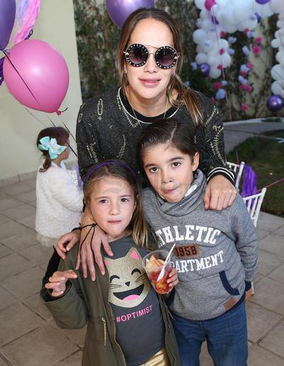 Mateo González, Mila González y Andrea Muñoz.