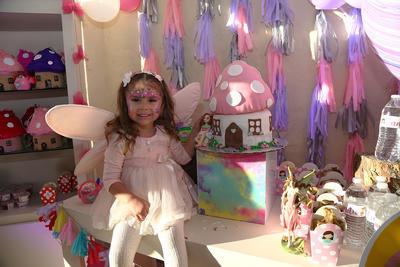 Hermosa Camila Aguilar Salum en el día de su festejo.
