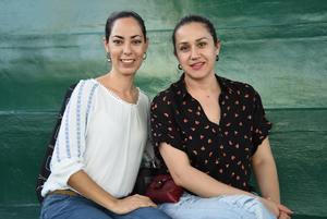 Ana Gallegos y Thamara Rodriguez