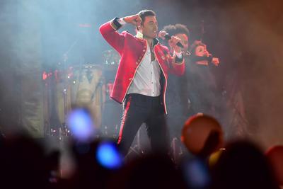 El cantante se presentó en la región.