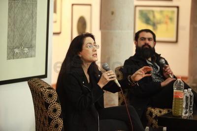 En octubre su agenda la obligó a reprogramar el viaje, pero ayer la escritora, columnista, historiadora y crítica de arte por fin se presentó.