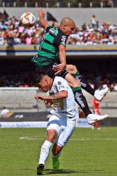 Matheús Doria cometió un autogol en el partido que le costó el empate a los Guerreros.