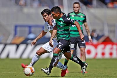 'Osvaldito' se enfrenta a Malcorra en el medio campo.