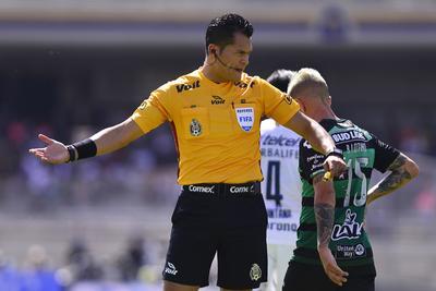 El árbitro del encuentro fue Jorge Antonio Pérez.