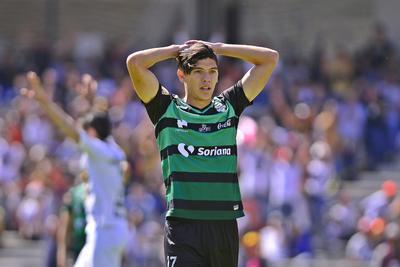 Gerardo Arteaga se lamenta tras el autogol de Doria.
