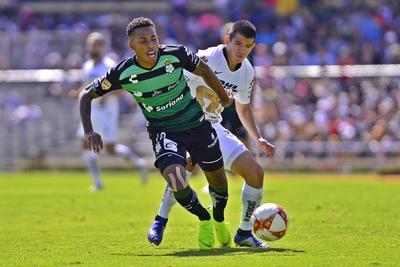 Preciado se mostró poco en el partido ante Pumas.