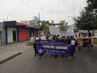 Marchan en Torreón por eliminar violencia contra la mujer