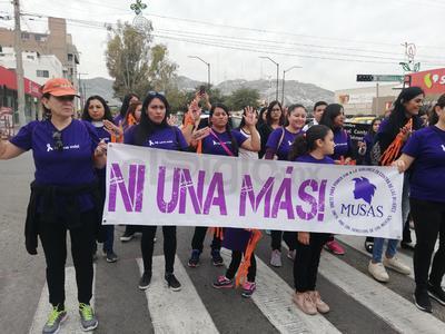 En el marco del Día Internacional de la Eliminación de la Violencia hacia la Mujer, colectivos de La Laguna se reunieron para marchar y exigir además un alto a la violencia institucional.