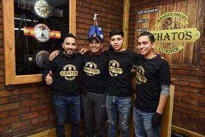25112018 EN AMENO FESTEJO.  Gerardo Galindo con algunas de sus invitadas.